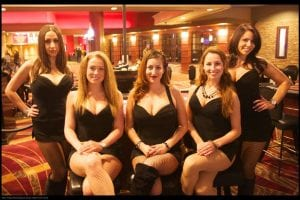 casinos-online-poundslots-casino | 5 sexy casino dealers dressed in black dresses